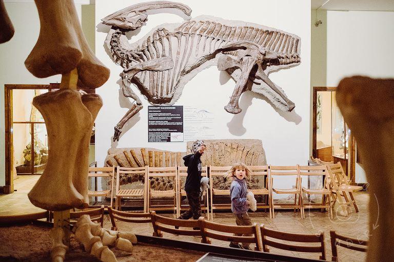 dzieci w Muzeum Ewolucji w PKiN 01